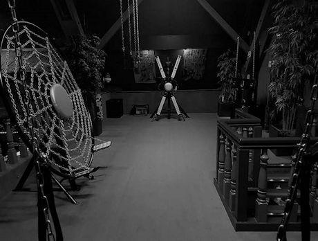 WIERINGERWERF - Het zijn zware tijden voor BDSM clubs, speelgelegenheden en BDSM studio's. Gelukkig komt er goed nieuw van Parenclub Monique ze zullen het overleven ondanks de hoge kosten van de stilstand aldus hun nieuwsbrief: